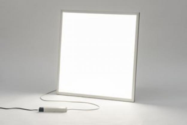 7 razones por las que un panel LED barato sale caro