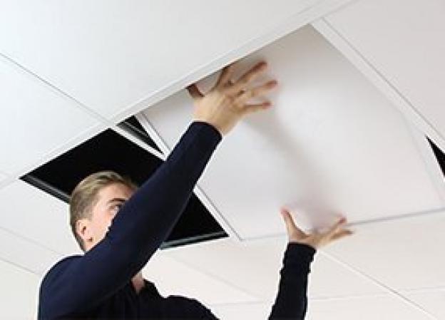 ¿Cómo se instala un panel LED?