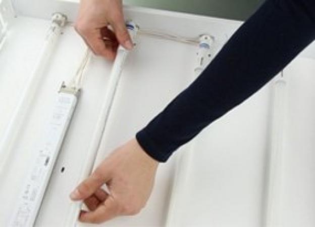 ¿Cómo instalar un tubo LED T5?